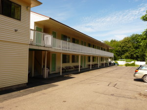 The Footbridge North hotel is 12 private well appointed and modern rooms. The hotel is nestled far enough off the road to provide a quiet and restful vacation.